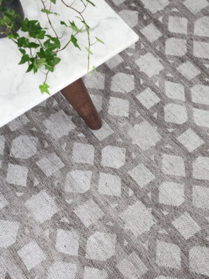 Vetro taupe reversible rug handmade in taupe close up shot