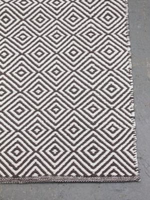 Diamond Dark Grey White flatweave rug corner image