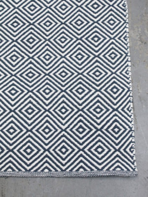 Diamond Denim White flatweave rug corner image