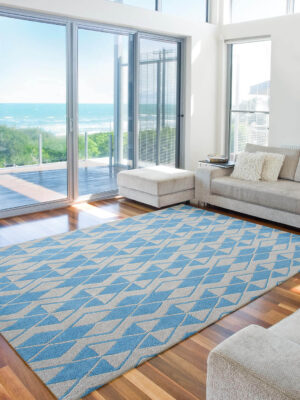 Labyrinth Cream/Blue. A smart trailing diamond design hand tufted in New Zealand wool blend.