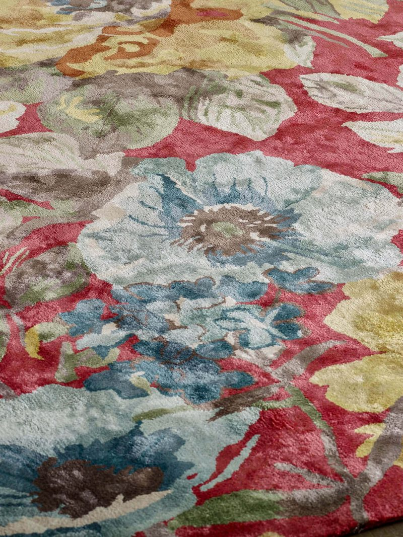 Romance Red. Handtufted from 100% artsilk with colourful and romantic floral design.
