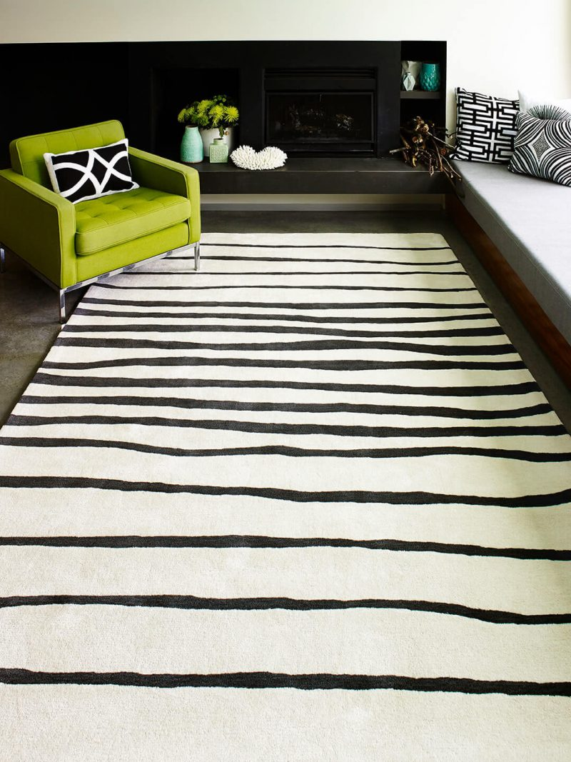 Driftwood Rug. Black and White tufted Rug
