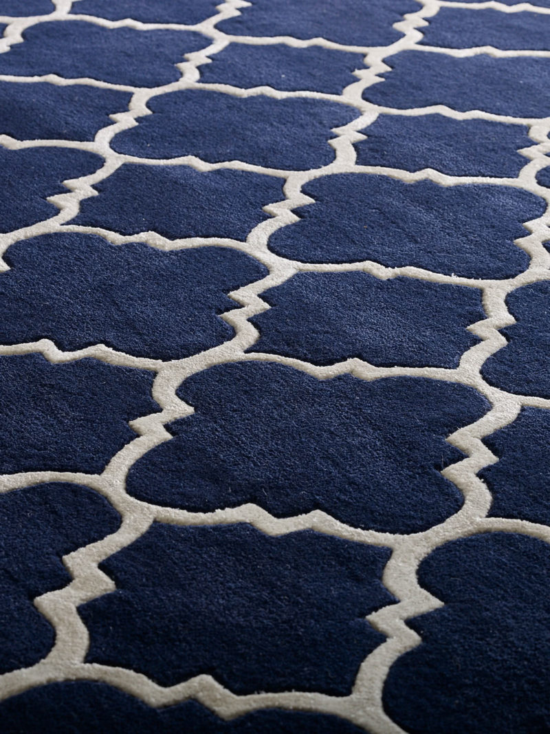 Beautiful Provence rug in french navy handmade in 100% wool detail image