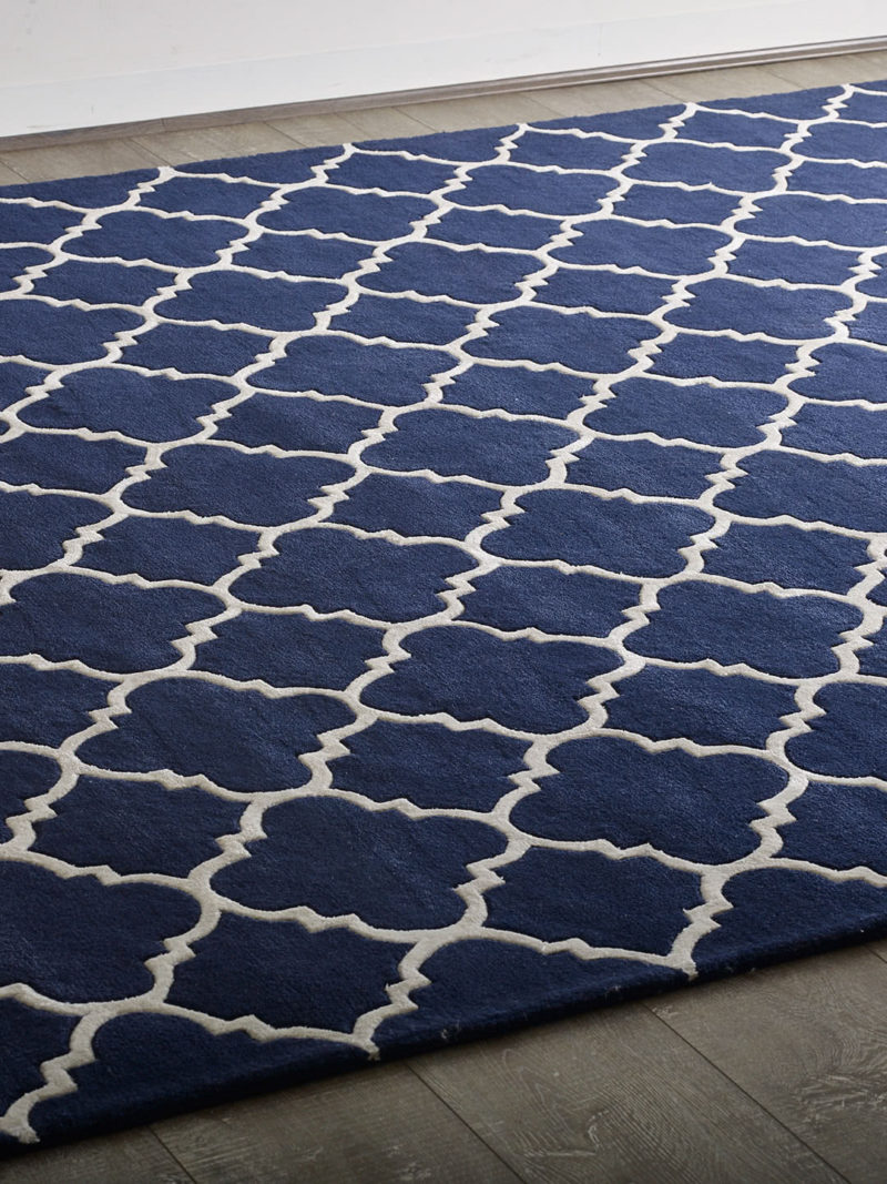 Beautiful Provence rug in french navy handmade in 100% wool close up image