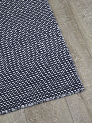 Aura flatweave rug in navy blue