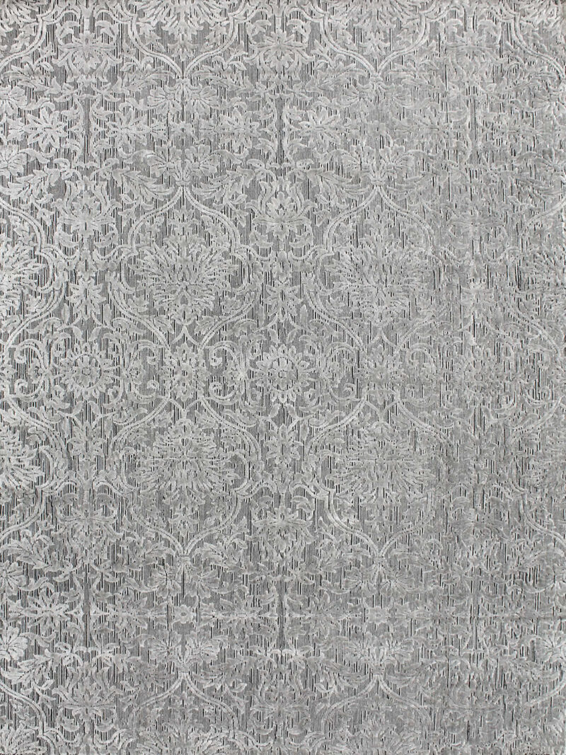 Metz Silver rug handmade in wool and artsilk with tones of grey in traditional pattern - overhead image